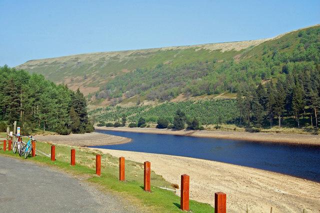 Hope Woodlands : Howden Reservoir