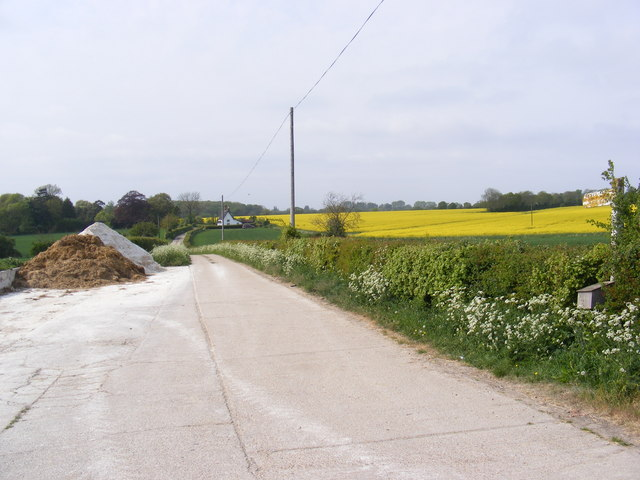 Footpath to the A1120 Saxtead Road & Entrance to Framlingham Hall