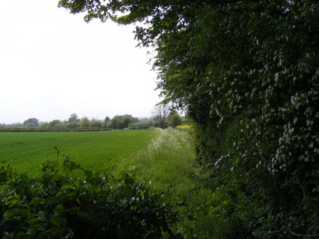 Footpath to Framlingham Hall & the B1116 Dennington Road