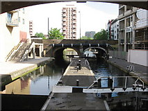 TQ3681 : Regent's Canal: Commercial Road Lock by Gareth James