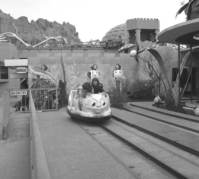 Blackpool:  Pleasure Beach:  Alice's Wonderland ride