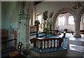 SU9643 : St Peter & St Paul, Godalming, Surrey - Interior by John Salmon