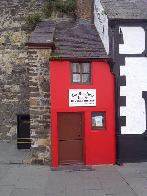 the smallest house in great britain  u00a9 mr m evison cc