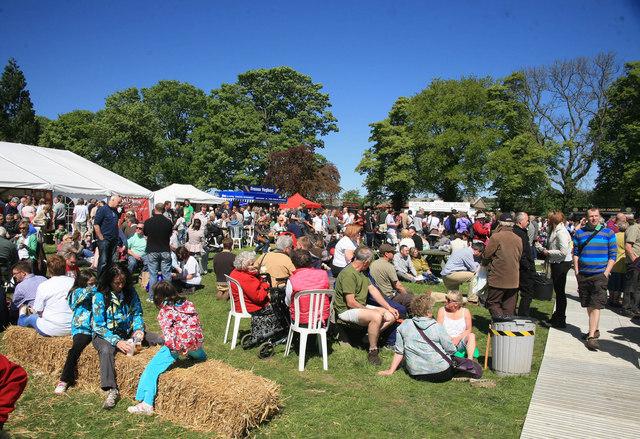 Leyburn Food Festival crowds enjoy the food