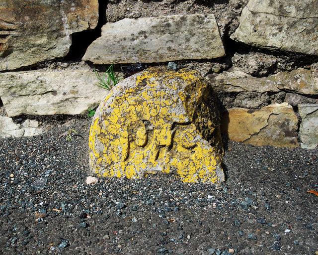 Aire Puist agus Telegrafa cable marker, Dunfanaghy