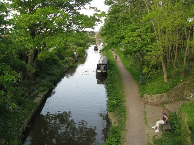 Macclesfield Canal north of Windmill Street