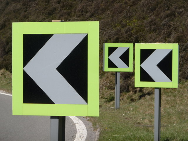 Snake Pass: chevrons at  Doctor's Gate