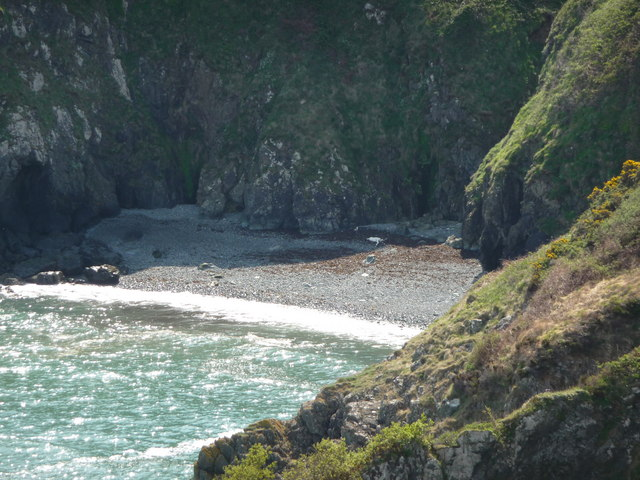 Beach flotsam below Carregwastad Point