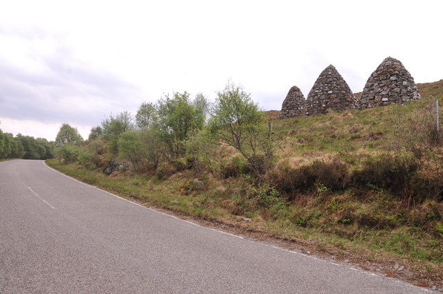 A861 and Captain Robertson's Cairn