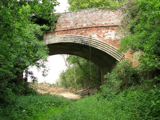 Disused railway bridge, Wreningham
