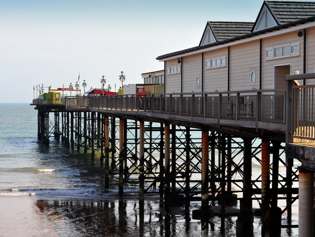 Teignmouth Pier side view