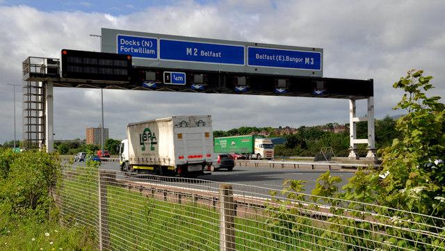 Motorway gantry sign, Belfast (2)