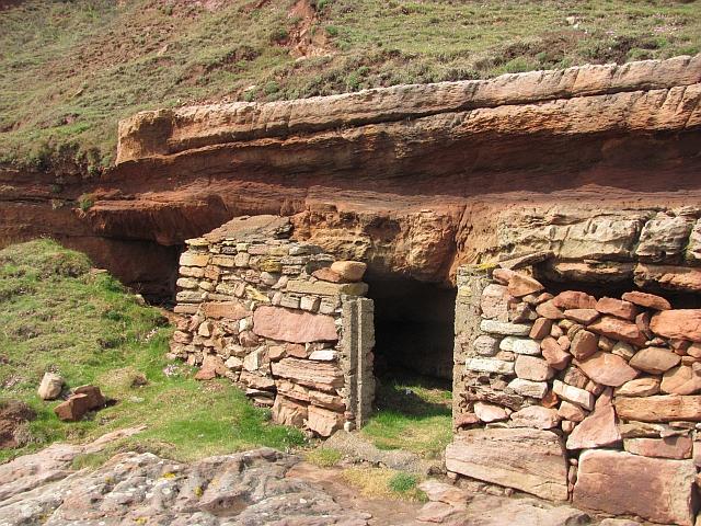 Cave, Lamberton Skerrs