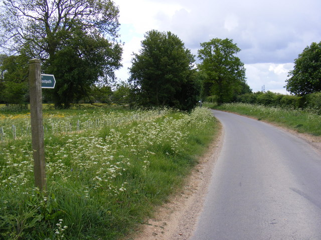 Thong Hall Road & the footpath to Walnuts Lane
