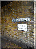 TQ1977 : Ship Alley, Kew, London W4 by Christine Matthews