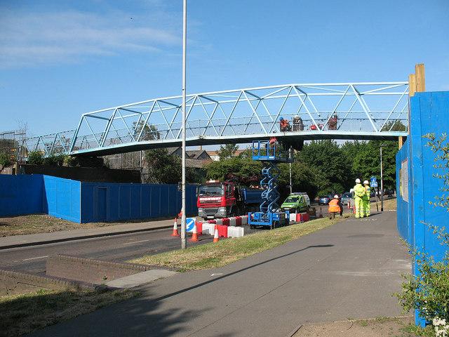 Surrey Canal Road footbridge: the last days