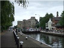 SK7953 : Lock on River Trent, Newark by Julian P Guffogg