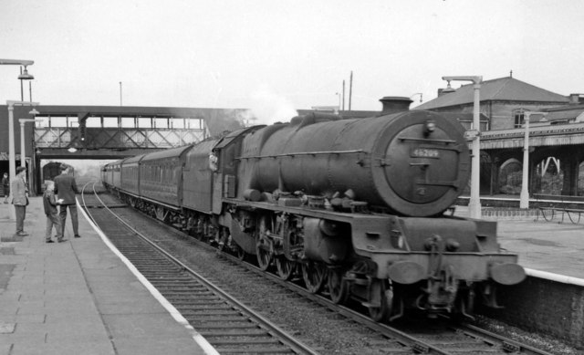 Willesden Junction, with Up Wolverhampton express