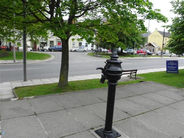 The Square, Moy