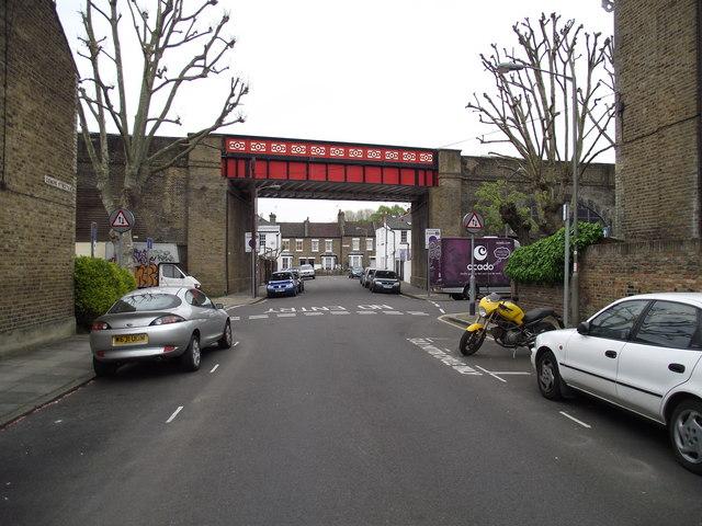District line railway bridge, Esmond Street