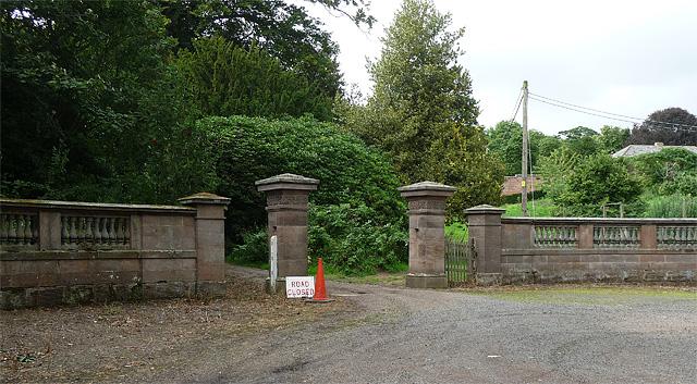 Gate piers, Preston