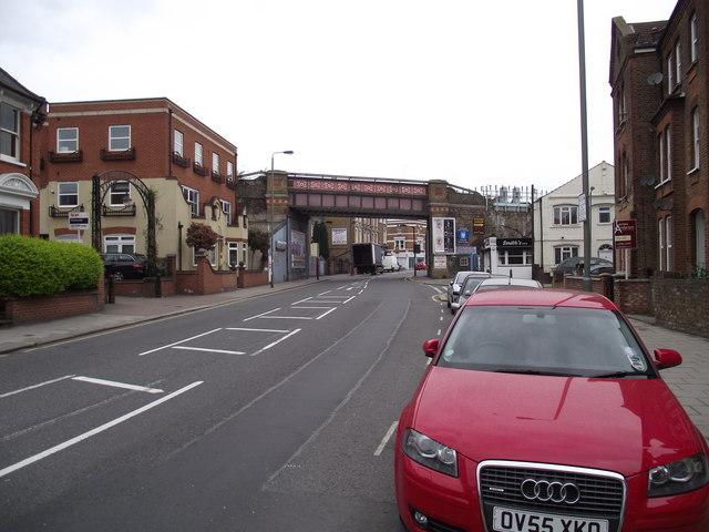 Putney Bridge road