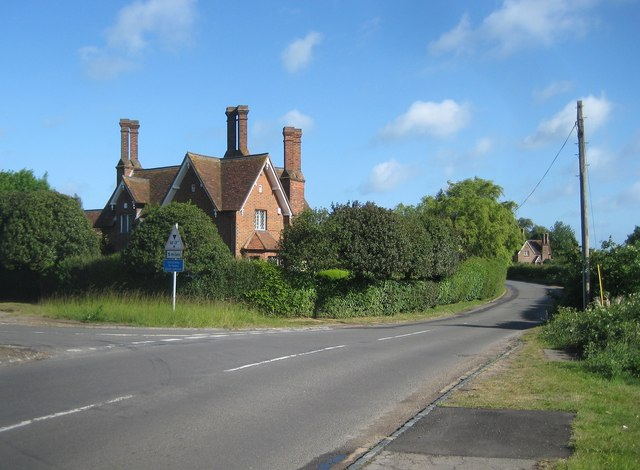 Chenies: Latimer Road and a Bedford Estate cottage