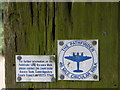 TL3578 : Pathfinder sign on the allotment gate post by Michael Trolove