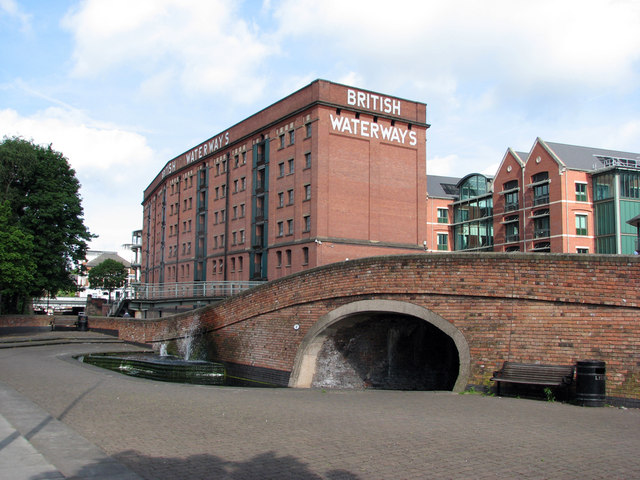 Canal bridge and British Waterways warehouse by John Sutton