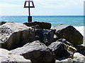 SZ1690 : Rock groyne near Hengistbury Head by Maigheach-gheal