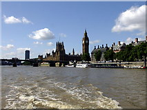 TQ3079 : Westminster Bridge and the Houses of Parliament by PAUL FARMER