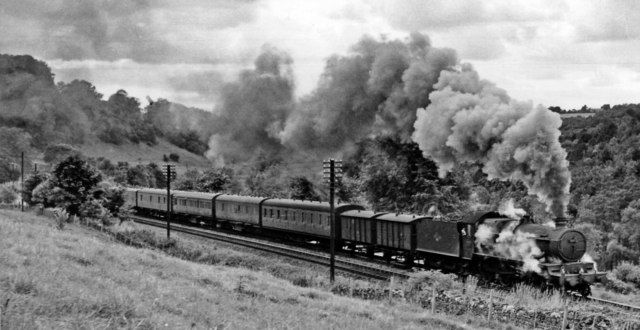 A 'Castle' struggles towards Sapperton Tunnel with an Up Parcels
