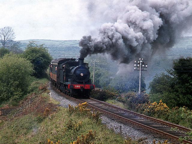 Steam train on Barnagh bank