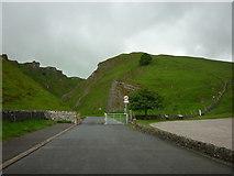 SK1382 : The start of Winnats Pass, near Castleton by Ian S