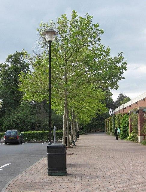 Pedestrian walkway, Designer Outlet, York