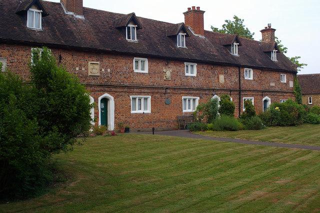 Lawrence Campe almshouses, Whetstone (1)