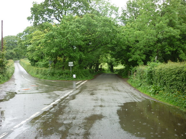 The junction of Broom Lane and Gibfield Lane