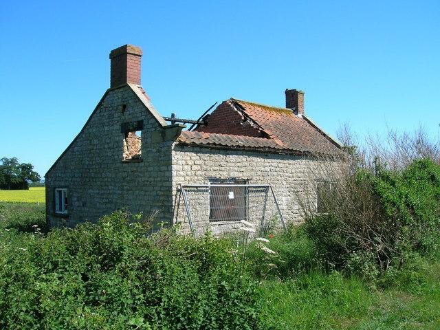 Disused cottage near Garforth Hall