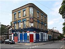 TQ3377 : The St George's Tavern, Rainbow Street by John Salmon