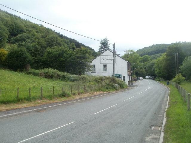 Plasycoed Road approaches Plas-y-coed Guest House, Cwm Ffrwd-oer, Pontypool