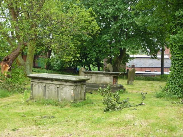 St Nicholas Church, Hetton-le-Hole, Graveyard