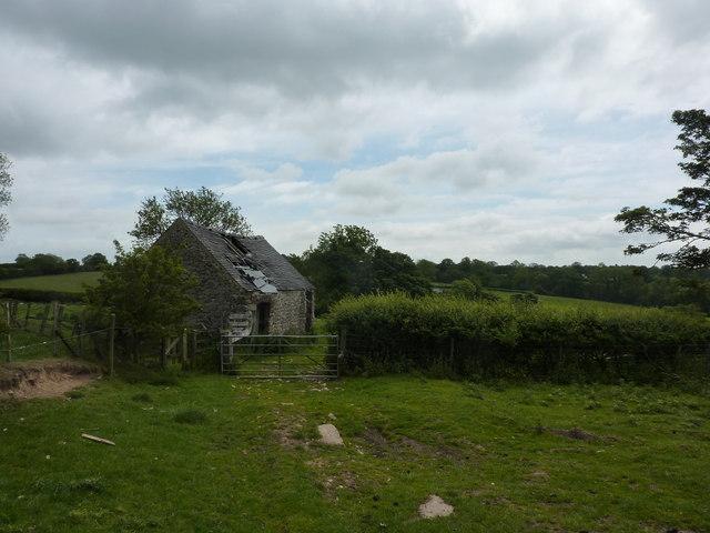 Ruined barn, near Fenny Bentley