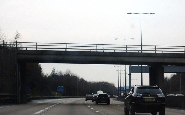 B3121 overbridge, M25