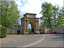 SP4416 : Arch of Triumph, Blenheim Palace, Woodstock by P L Chadwick