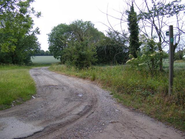 Footpath & entrance to Hill Farm