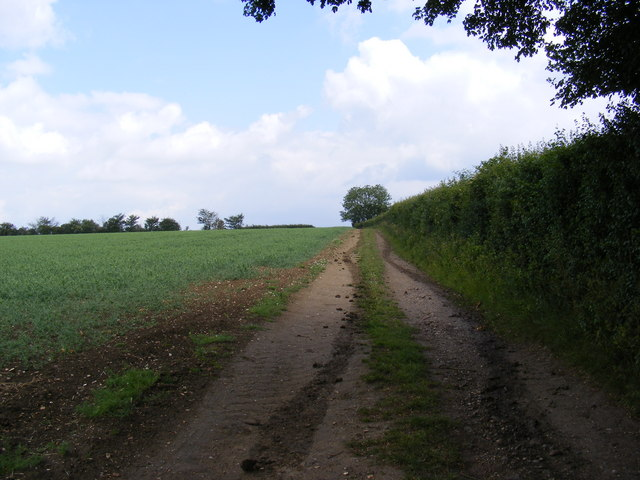 Footpath to the A1120 Button's Hill
