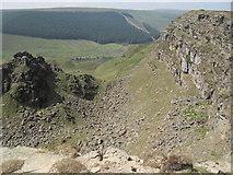 SK1491 : Sheer drops on the northern side of Alport Castles by marplerambler