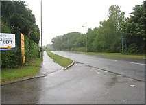 SU6553 : A wet Wade Road by Sandy B