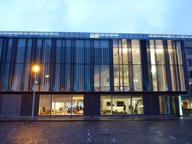 Edinburgh Townscape : The New Business School in Buccleuch Place