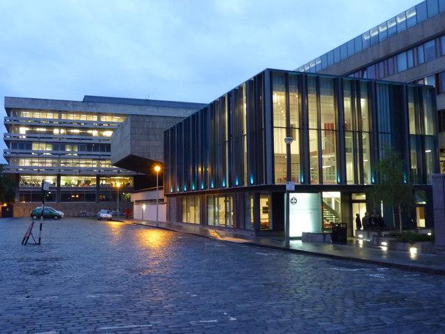 Edinburgh Townscape : University of Edinburgh  Buildings in Buccleuch Place